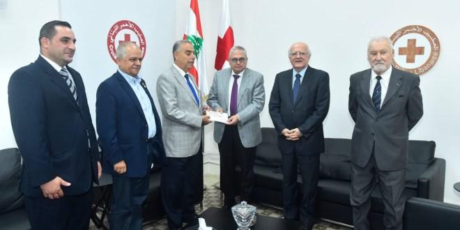 هبة مالية من جمعية أعضاء جوقة الشرف الفرنسية الى بنوك الدم في الصليب الاحمر اللبناني
