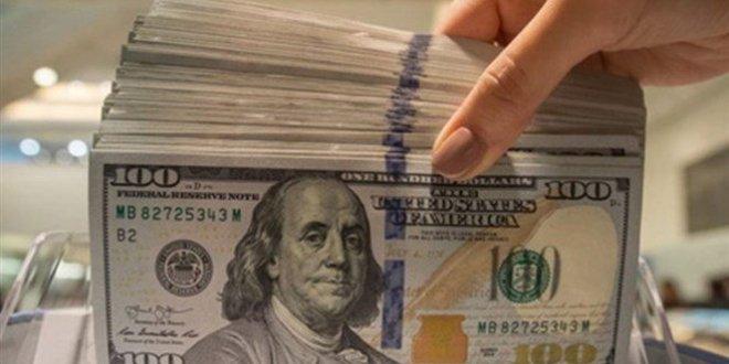 تراجع واضح للدولار في السوق السوداء