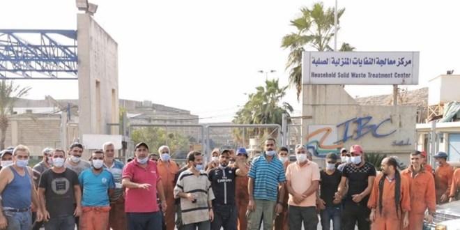 بعد تأمين مستحقاتهم.. عمال معمل نفايات صيدا علقوا اضرابهم