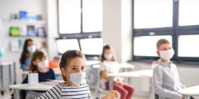 """تتبع حالات """"كورونا"""" بالمدارس وخط ساخن.. هذا ما قرراه وزيرا الصحة والتعليم"""