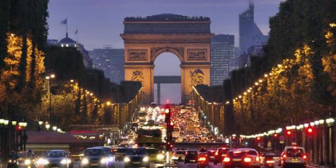 فرنسا تحث إيران على احترام الاتفاق النووي لتعود إليه أميركا