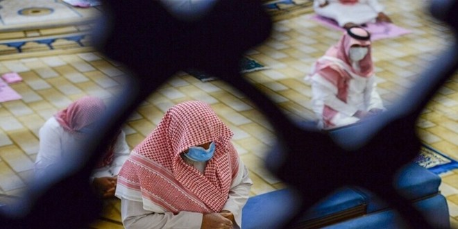 بسبب كورونا.. السعودية تغلق 12 مسجدا
