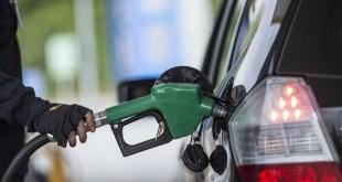 كميات البنزين غير كافية.. جميع محطات الوقود تقفل أبوابها في صور