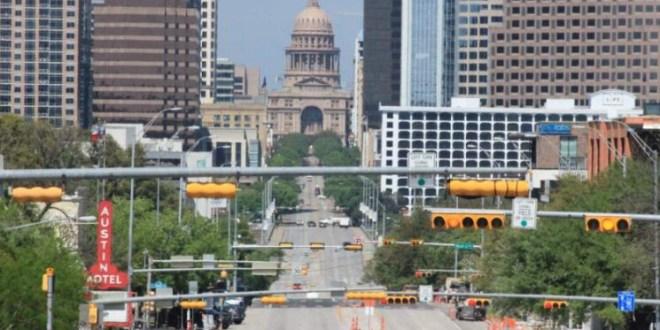 """تكساس """"تخلع الكمامة"""" وتستعيد نشاطها """"بالكامل""""… وهذا ما أوضحه حاكم الولاية!"""