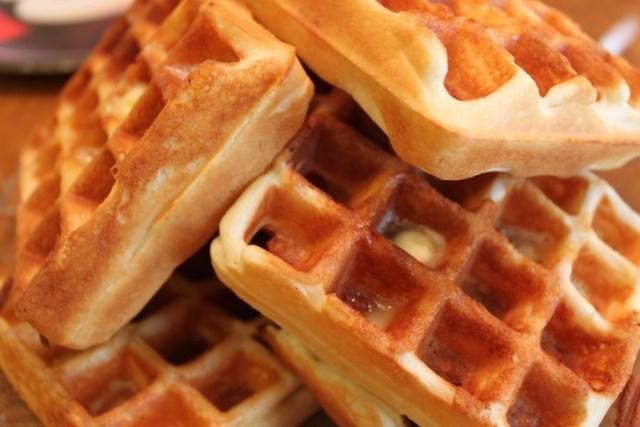 whole grain buttermilk waffles