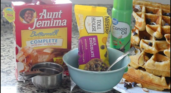 FUN FOOD! EASY AUNT JEMIMA CHOCOLATE CHIP WAFFLES RECIPE