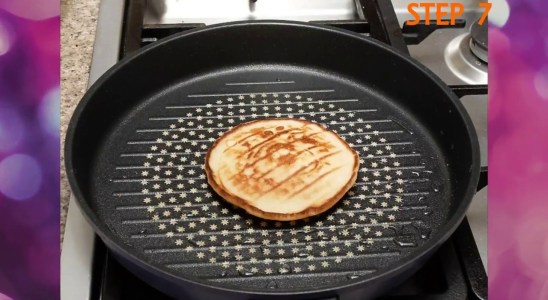 How to Make Waffles With a Grill Pan