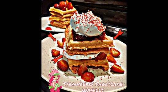 GOT A SWEET TOOTH?! COME CHECK OUT MY SEXY STRAWBERRY SHORTCAKE WAFFLES #strawberries #amazing