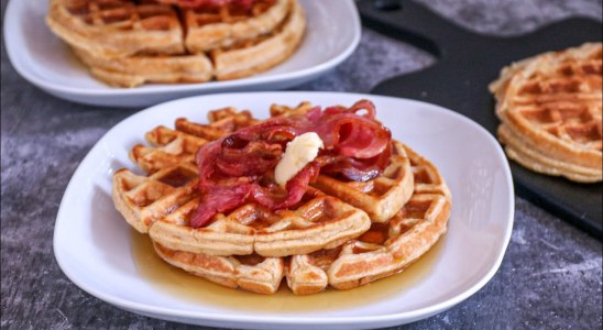 Foodace Easy Waffle Recipe    Easy Waffle Recipe Without Baking Powder    How To make Waffles