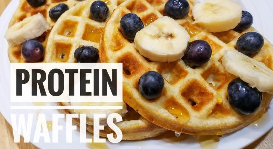 PROTEIN WAFFLES WITH PROTEIN POWDER