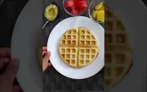 Eggless Waffles l Easy Recipe l Vegetarian l Breakfast l Healthy l YouTube #Shorts