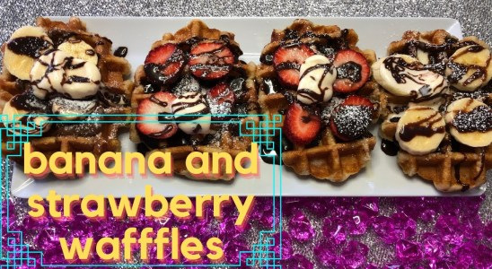 Banana and strawberry waffles (quick,cheap and healthy) Easy recipe