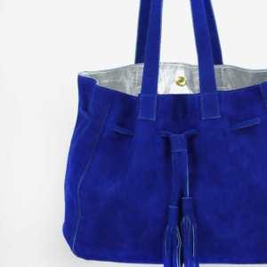 Grand sac daim bleu majorelle intérieur argenté Apolline Wagapé