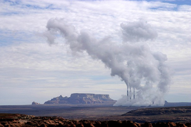 The Navajo Generating Plant (Flickr / Troy Snow)