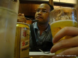 Seangly and glasses of beer