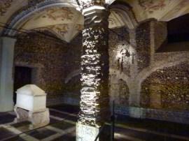 Evora -Chapel of Bones (5)
