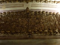 Evora -Chapel of Bones (9)
