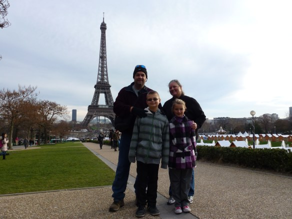 Wagoners Abroad - An American Family living in Almuñecar, Spain enjoying Christmas in Paris.