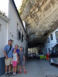 Setenil de las Bodegas - The town under the rocks