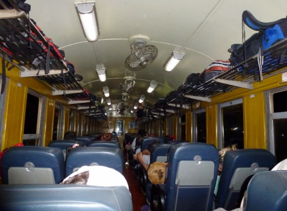Train Bangkok to Chiang Mai Seats with fan