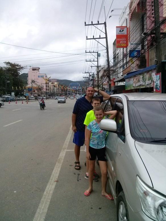 Avis Thailand Toyota Innova Mae Sai Border