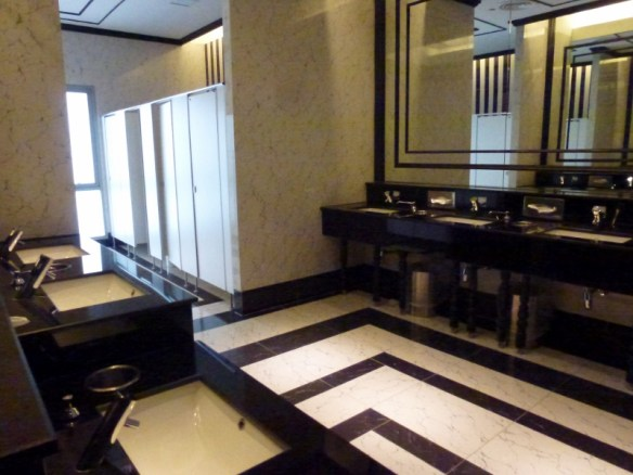 Full Service Toilets - Chiang Mai Maya Lifestyle Shopping Center