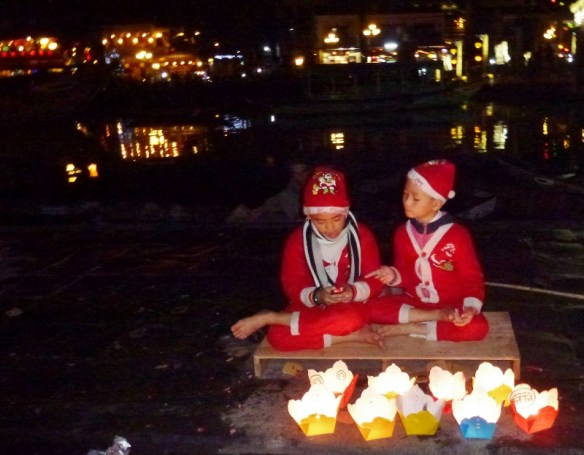 Christmas Eve 2014 Hoi An Vietnam Cinnamon Cruises (2)