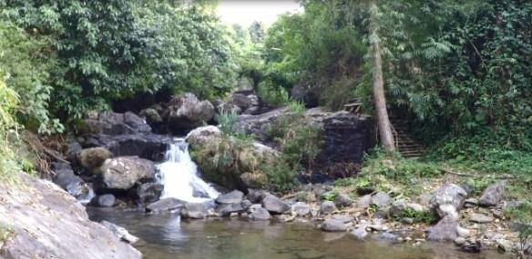 Kaeng Nyui Waterfall, Vang Vieng 02