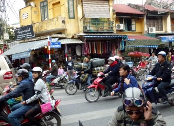 Scooting Around Hanoi (17)