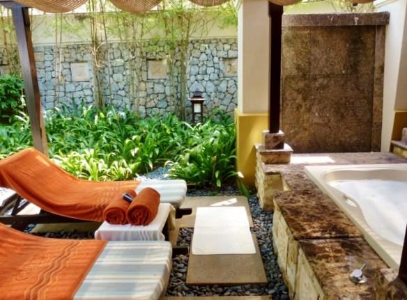 Shangri-la Spa - Golden Sands Resort bubble bath