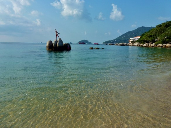 Koh Tao Thailand. If you are heading to Southern Thailand, we have some family friendly accommodation in Thailand recommendations for you. We share it all, the good, bad and meh! Read more on WagonersAbroad.com