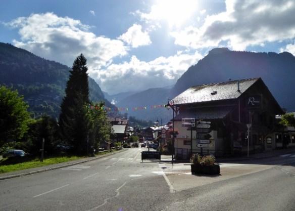 Downhill-mountain-bike-Alpine-Sports-Morzine