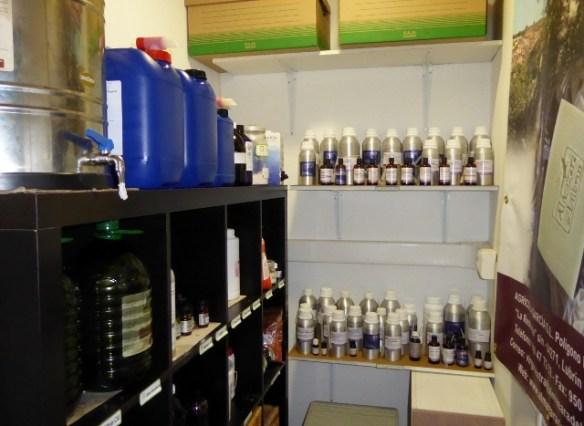 naturalmente-mediterraneo-Natural-oils-and-scents