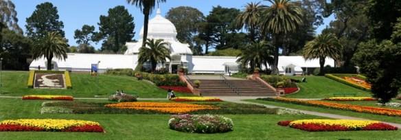 Golden Gate Park San Francisco. image source https://upload.wikimedia.org/wikipedia/commons/9/90/Conservatory_of_Flowers_in_Golden_Gate_Park,_San_Francisco.jpg