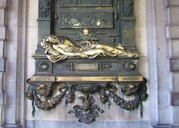 Brussels Everard Serclaes Monument