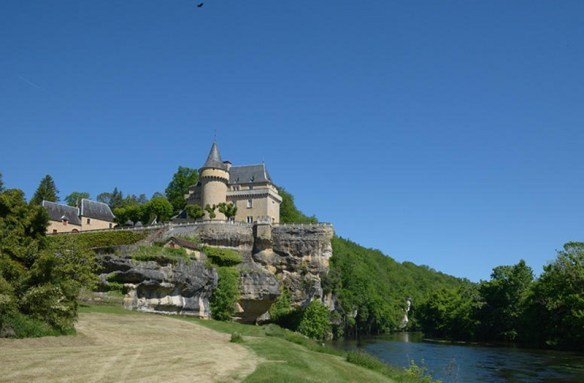 french_chateau_for_rent_-_19_people