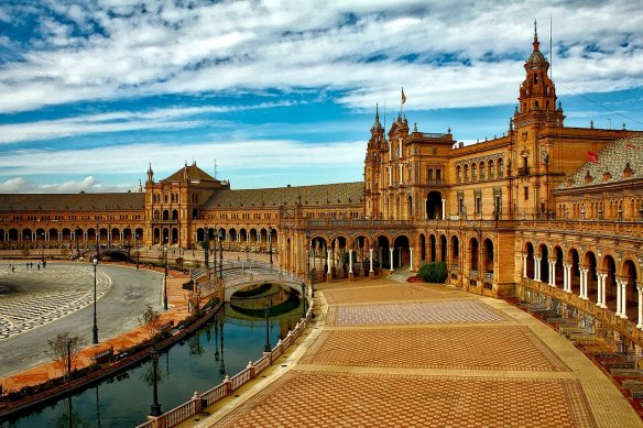 Enjoy the Plaza de Espana in Seville Spain. Read more on WagonersAbroad.com
