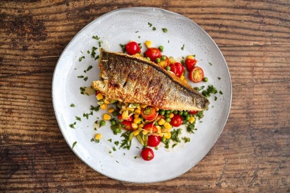 varieties of popular fish in Spain and recipes too