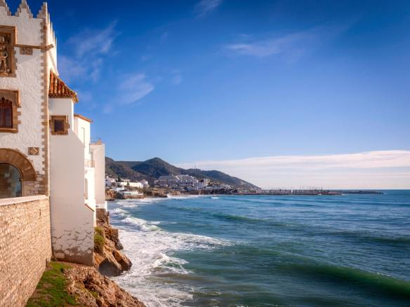 Sitges Costa del Garraf - Read more on https://wagonersabroad.com