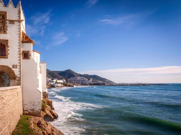 Sitges Costa del Garraf- Read more on https://wagonersabroad.com