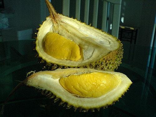 Durian bisa menyebabkan kematian bila dikonsumsi dengan kopi