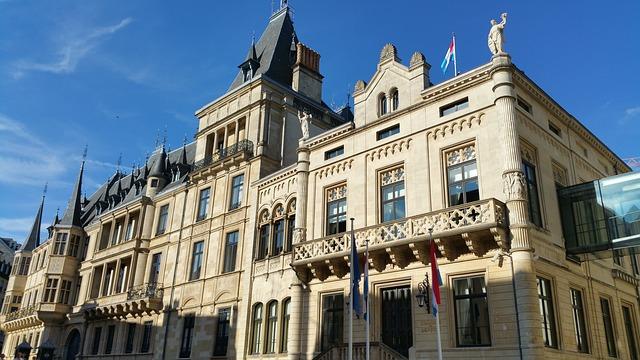 Luksemburg - 6 Negara Terkaya Di Dunia Dengan Gaji Yang Wah Banget