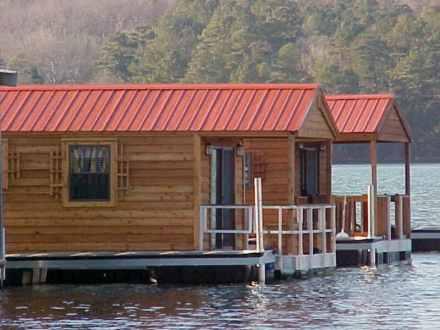 Floating-Cabin-Alabama-Flat-Creek