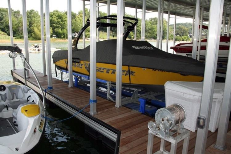 wahoo aluminum docks marina with aluminum poles and ipe dock decking