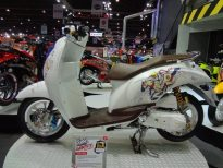 motorshow2011-angle-9-scoopy