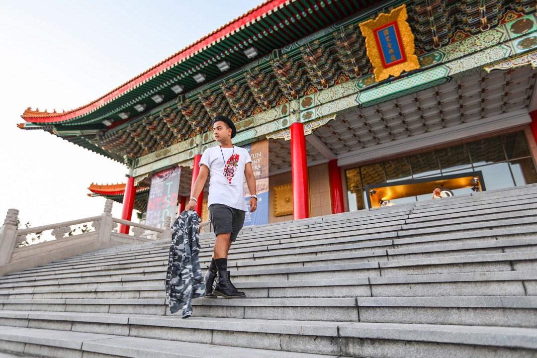 Taipei Chiang Kai Shek Memorial + Streetstyle Star+ Fashion Icon Canada + Mens Fashion + Travel in Style + Visit Taiwan + Elle Taiwan + Vogue Taiwan + Fashion Blogger + Influencer +www.waichingswall.com_2