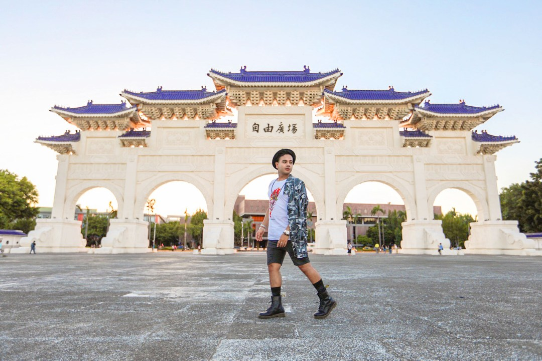Taipei Chiang Kai Shek + Streetstyle Star+ Fashion Icon Canada + Mens Fashion + Travel in Style + Visit Taiwan + Elle Taiwan +Fashion Canada +www.waichingswall.com_1