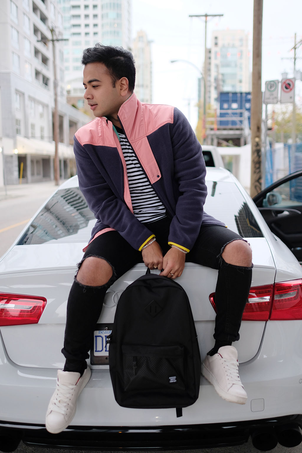 VANCOUVER TOP BLOGGERS_JONATHAN_WEARING HERSCHEL SUPPLY 2017_2