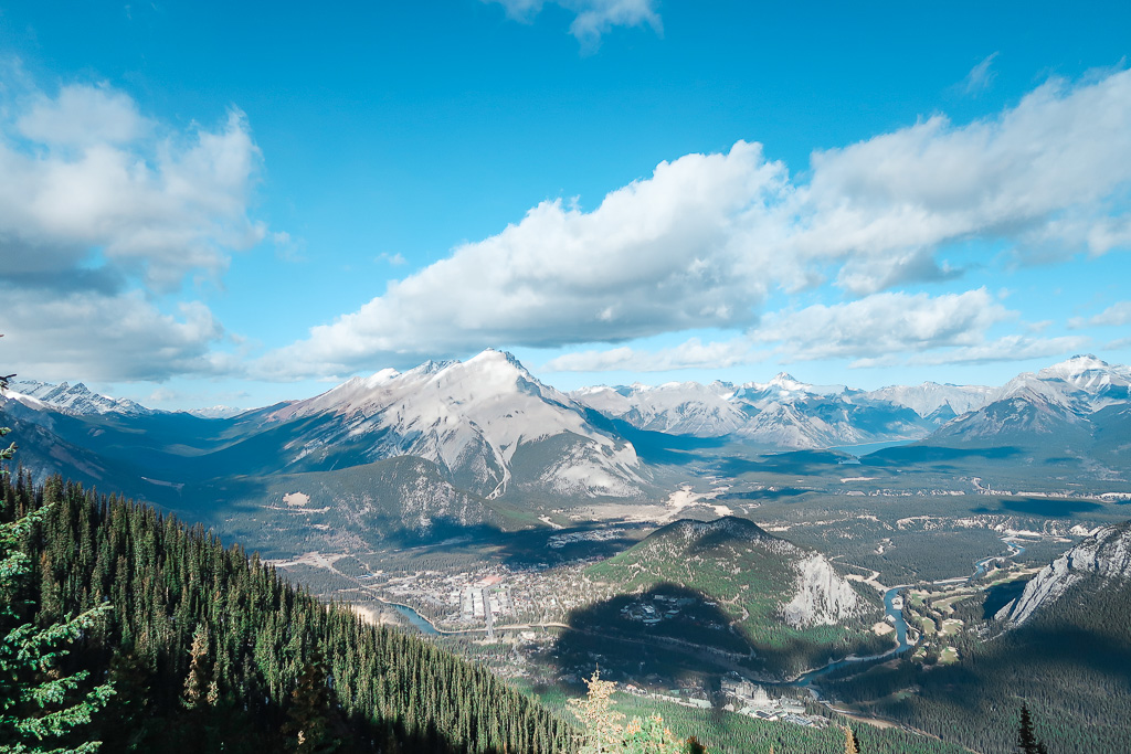 Banff Alberta Travel Guide_Things to do in Banff Travel Influencer_Canadian Influencer_Vancouver_Jonathan Waiching Ho_9