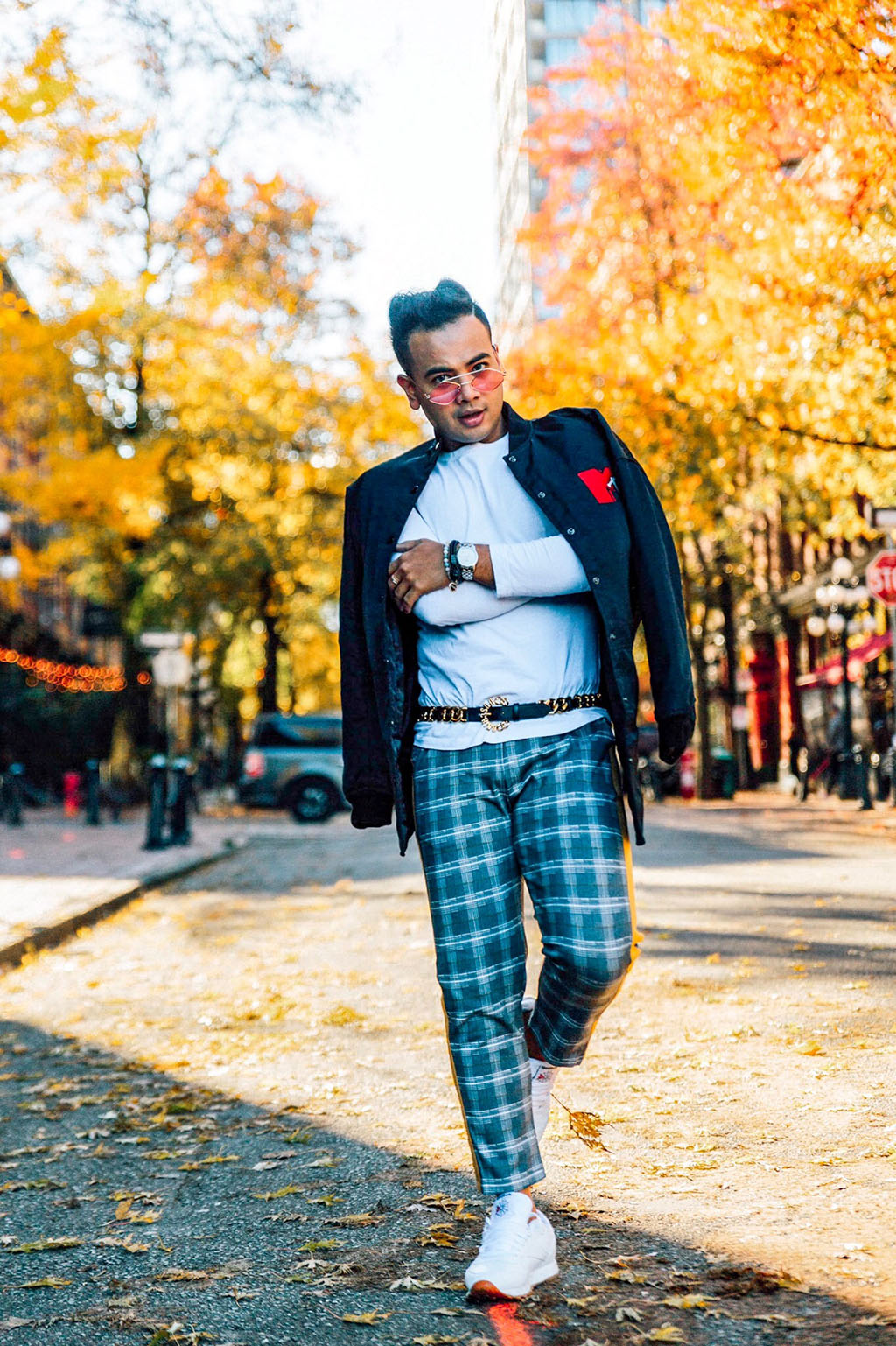 Influencer_Jonathan Waiching Ho_Toronto Fashion Blogger_Vancouver Fashion Blogger_HMoschino_OOTD in Vancouver Top Influencer_1